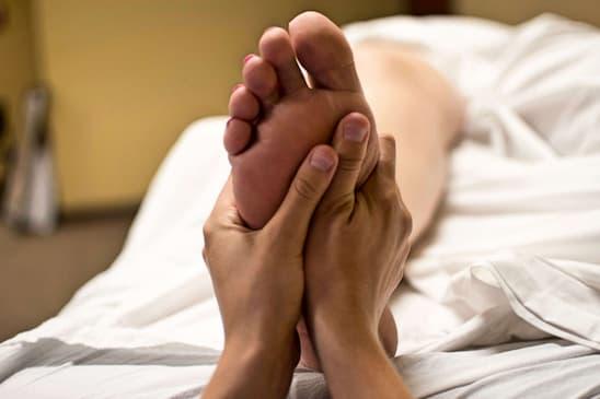 panchakarma feet massage spa