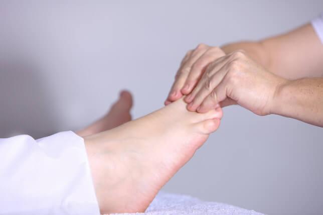 feet-massage